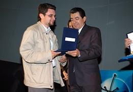 Recibe el premio Sebastián Pineda