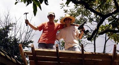 Luis Suárez y Sergio Restrepo comienzan las obras de El Café de Otraparte.