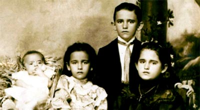 Alberto, Graciela, Fernando y Sofía González Ochoa - 1907.