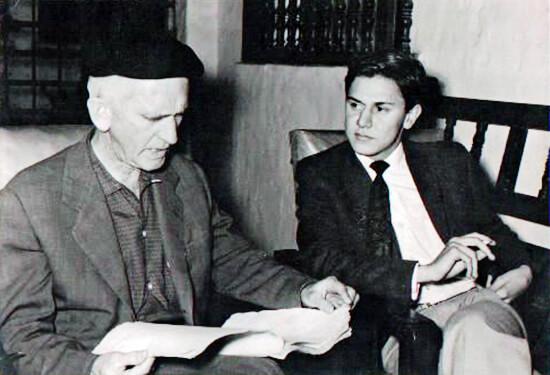 Fernando González y Alberto Escobar Ángel, cofundador del Nadaísmo (1960). Archivo A.E.A.