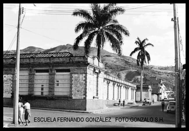 Escuela Fernando González - Foto © Gonzalo Santamaría H.