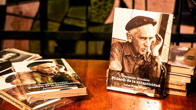 Portada del libro «Fernando González, filósofo de la autenticidad» de Javier Henao Hidrón