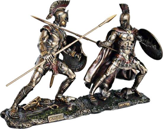 Pequeña escultura en bronce de Aquiles y Héctor en combate.