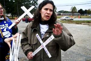 Bajo la capucha: un viaje al extremo de la tortura - Patricio Henríquez