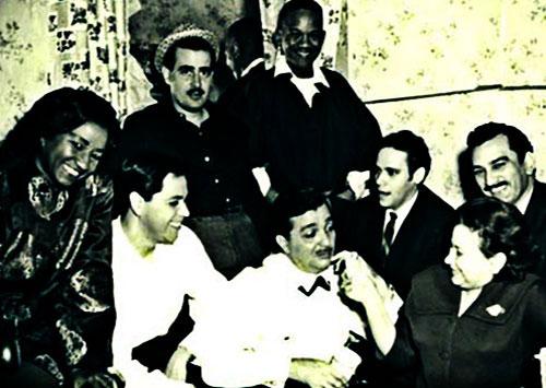 Entre otros: Celia Cruz, Lucho Gatica, Rosendo Rosell,Gisela Laserie, Guillermo Álvarez Guedes y Rolando Laserie.