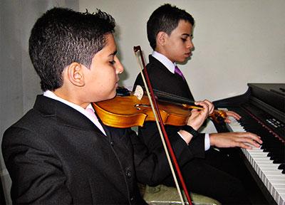 Alejandro y Juan Esteban Bustamante
