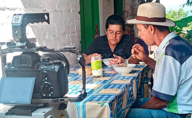 Con mi cuerpo de mujer - Diego Espinoza