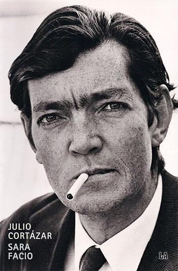 Julio Cortázar (1914 - 1984) - Fotografía por Sara Facio
