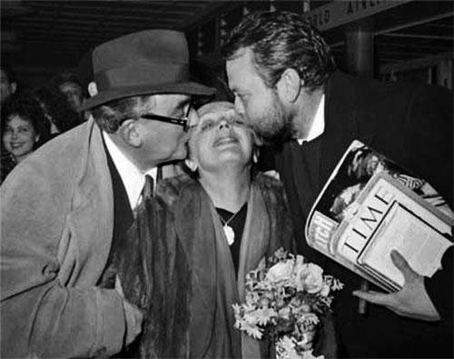 Edith Piaf y Orson Welles (derecha)