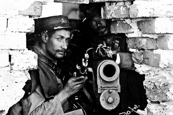 Fotografía de un soldado durante la Decena Trágica - Foto © El Universal
