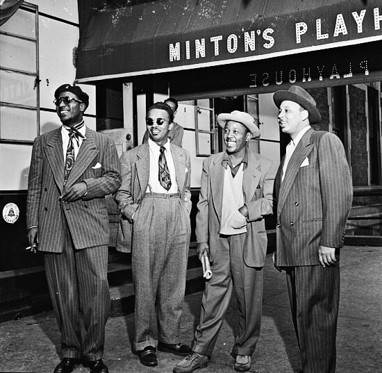 Thelonious Monk, Howard McGhee, Roy Eldridge y Teddy Hill en Minton's Playhouse, Nueva York, septiembre de 1947. Fotografía © William P. Gottlieb.