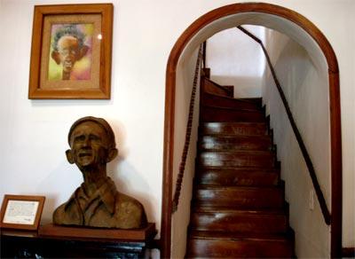 Escaleras en Casa Museo Otraparte
