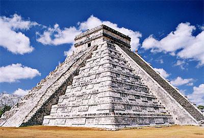 Pirámide maya en Chichén Itzá, México - Fotografía por Peter Adams
