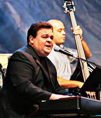 """Ricardo """"Richie"""" Ray - Foto por Carlos Mario Lerma"""