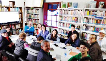 """Los talleres """"La tinaja de historias"""" de Chía y """"Voces del Majuy"""" de Cota realizaron una reunión conjunta de trabajo en la Biblioteca Municipal de Cota."""